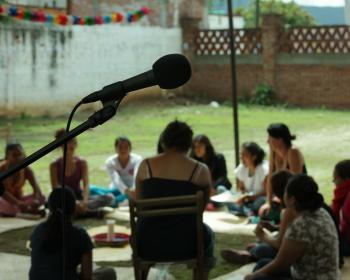 Entre radios y redes: circulando por las arterias comunicacionales de América Latina
