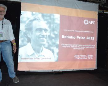 Activista brasileño Carlos Afonso galardonado con el Premio Betinho de Comunicaciones 2015