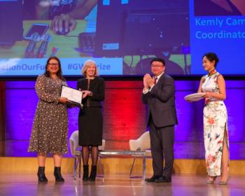 """La UNESCO premia """"la voz de las chicas del Centro de América"""""""