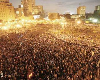 Égypte: les régimes ne peuvent venir à bout de la force des peuples communiquant dans la solidarité