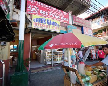 """Por qué los """"machos"""" no usan los telecentros en Filipinas"""