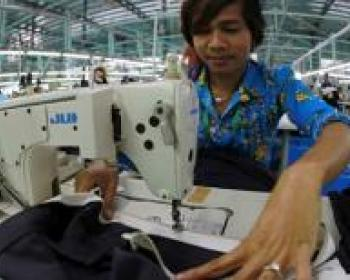Harnessing the internet to realise labour rights in Cambodia: Interview with Alexandra Demetrianova