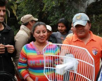 Miembros de APC en 2017: Rhizomatica y AlterMundi ofrecen capacitación a comunicadores/as indígenas en México