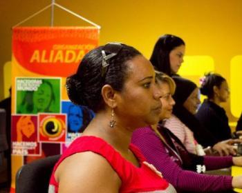 Aliadas en cadena: una introducción a la tecnología desde la inteligencia emocional