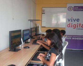 Colnodo encourage la présence de langues indigènes dans les TIC avec des outils innovants en Colombie