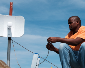 Innovations in Spectrum Management: Enabling community networks and small operators to connect the unconnected
