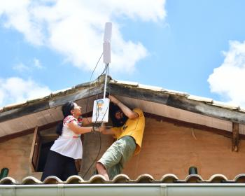 Community networks and COVID-19 in the Americas region