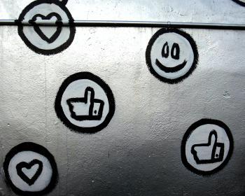 L'internet des pauvres de Facebook: Halte au colonialisme numérique de Facebook en Afrique