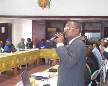 Policy advocacy in the Democratic Republic of Congo (2005). Photo: Alternatives