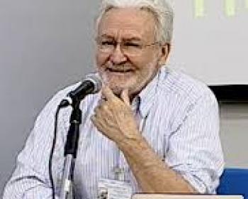 L'activiste Brésilien Carlos Afonso a reçu le Prix Betinho des communications 2015