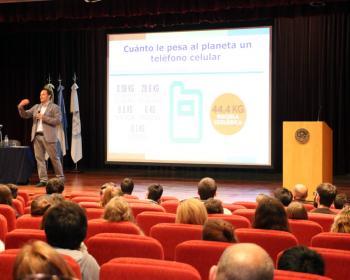 Nodo TAU promovió la realización de una conferencia sobre residuos electrónicos