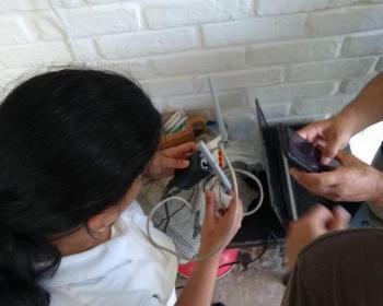 Mujeres rurales en el despliegue de redes celulares y acceso a internet