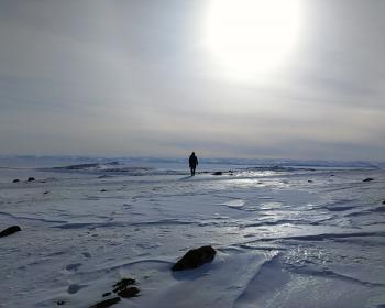 Tisser des liens sur la toile dans le territoire le plus septentrional du Canada, le Nunavut