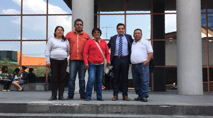 Miembros de Rhizomatica y TIC A.C. en México DF, defendiendo su derecho al espectro. Imagen de TIC A.C.