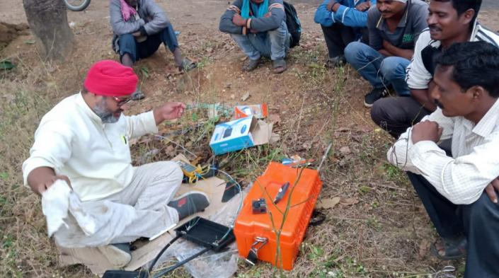 Photo: Remote area fibre restoration in Gadchiroli District, India, courtesy of Digital Empowerment Foundation.