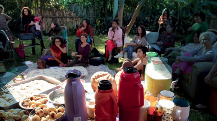 The feminist project Nodes that Bond has developed circles of women with an emphasis on technology at Portal sem Porteiras, a rural community network in Brazil. Photo: Luisa Bagope